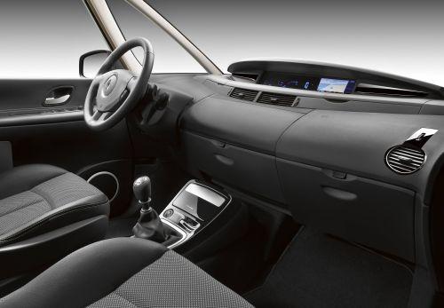 Sicht auf das Cockpit des Renault Grand Espace.