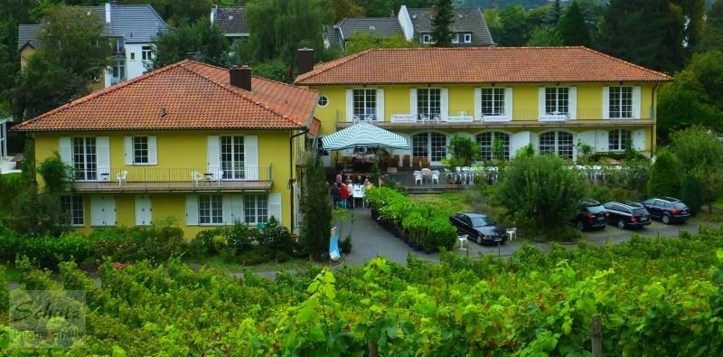 Weinhotel Haus am Drachenloch Komplettansicht