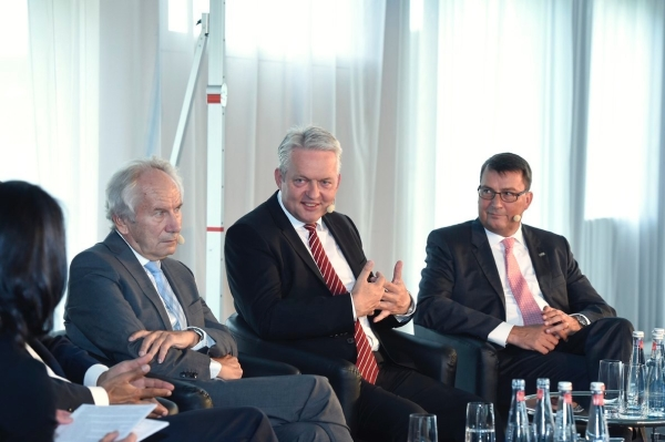 compamedia mittelstand summit podium