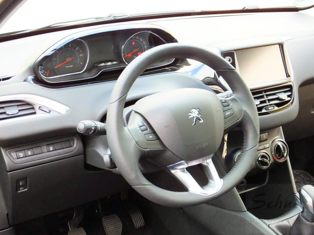 Peugeot 208 PureTech82 Innenraum