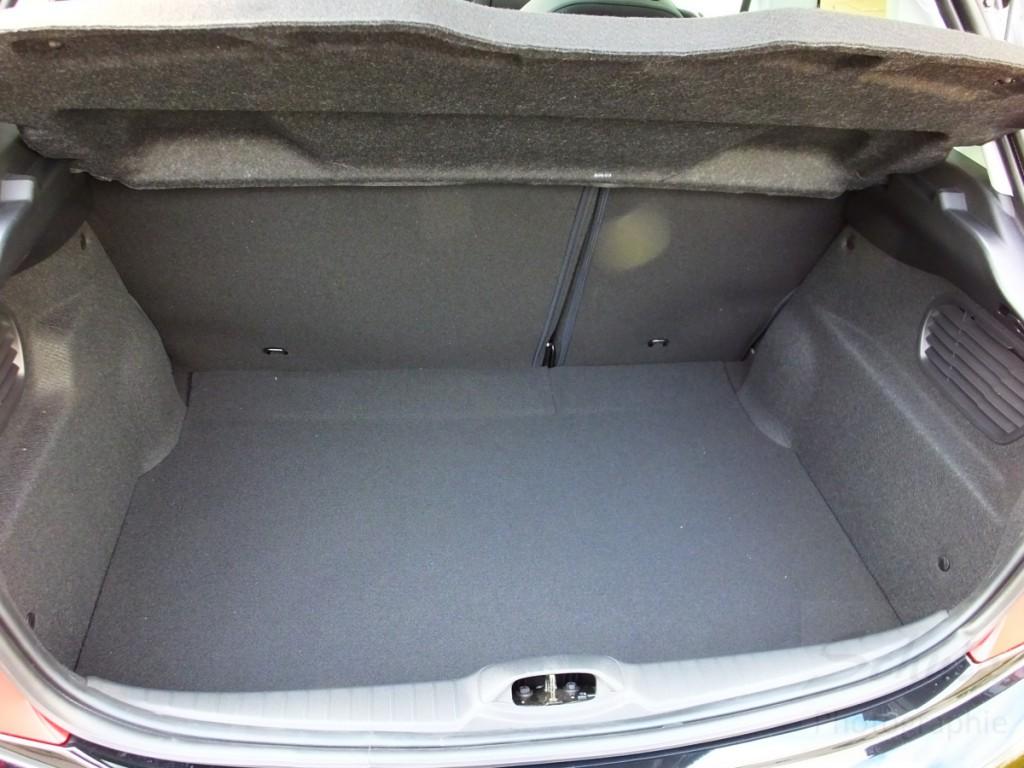 Peugeot 208 PureTech82 Kofferraum