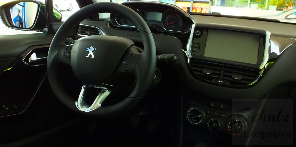 Peugeot_208_PureTech82_Touchscreen4_bySchulzPhotographie