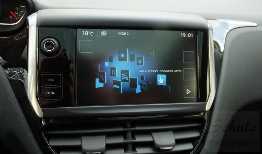Peugeot 208 PureTech82 Touchscreen
