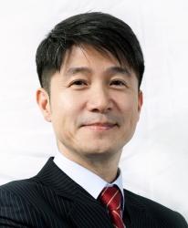 LG Juno Cho Portrait